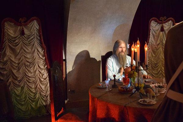 Grigorij Rasputin im Keller des Jussupow Palastes