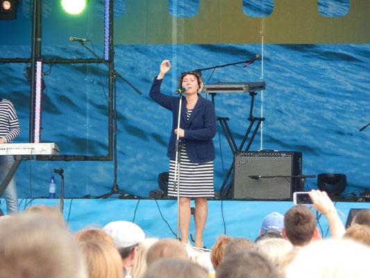 Bühne beim Stadtfest in Sankt Petersburg