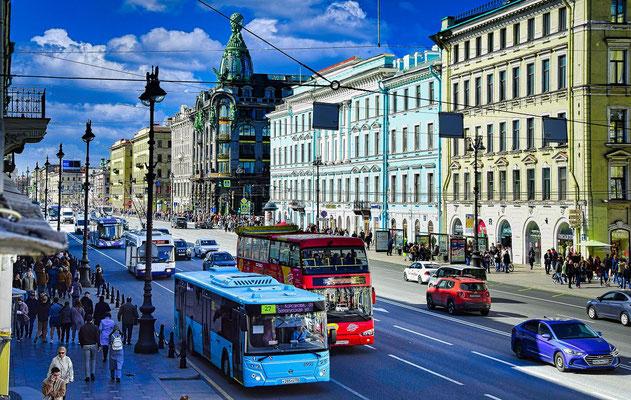 Newski Prospekt bei einer Stadtrundfahrt