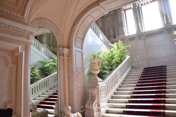 Treppe im Eingangsbereich