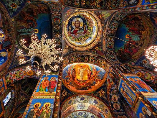 Decke der Blutskirche in St Petersburg