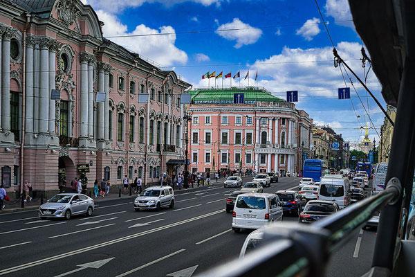 Newski Prospekt bei einer Stadtrundfahrt durch Sankt Petersburg