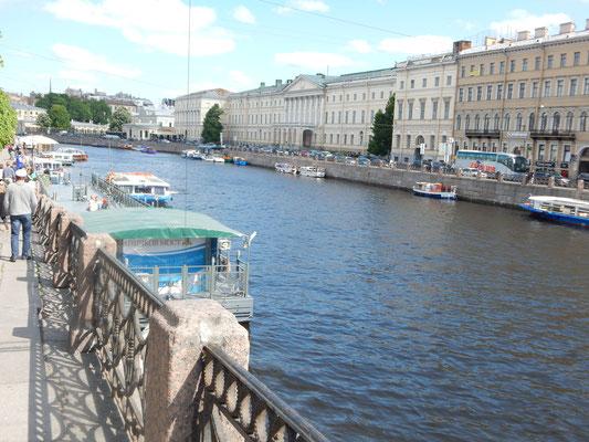 am Kanal im Sankt Petersburg