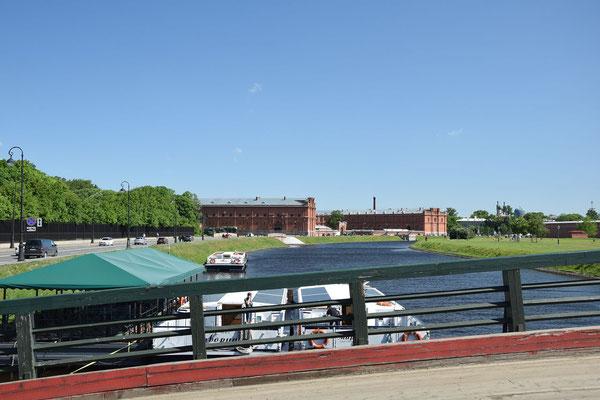 Blick von der Brücke Artilleriemuseum