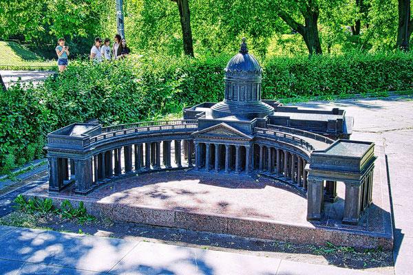 Minipetersburg die Kasaner Kathedrale