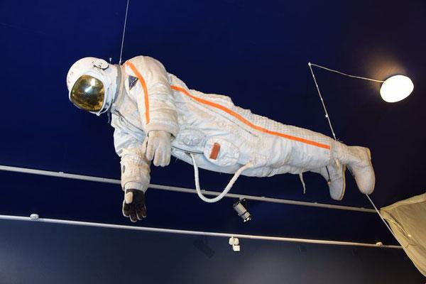 Kosmonaut im Anzug