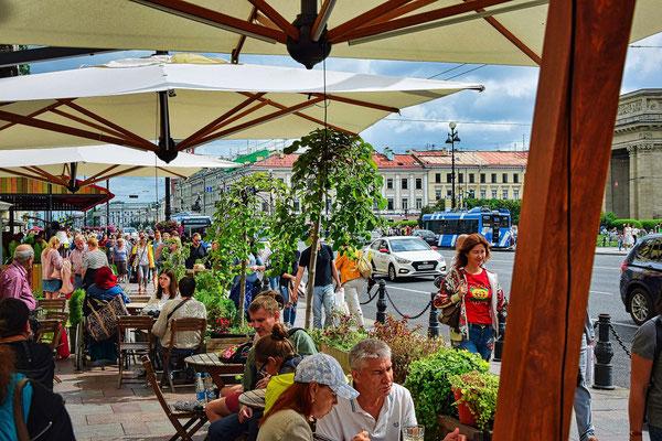 Straßencaffee am Nevski Prospekt
