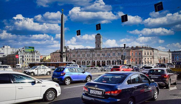 Platz des Aufstandes mit Siegessäule Führung St. Petersburg