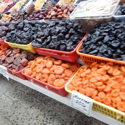 Südfrüchte.     k