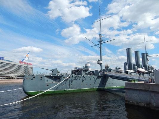 Aurora im Hafen von Sankt Petersburg