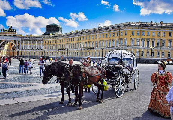 Pferdegespann auf dem Palastplatz