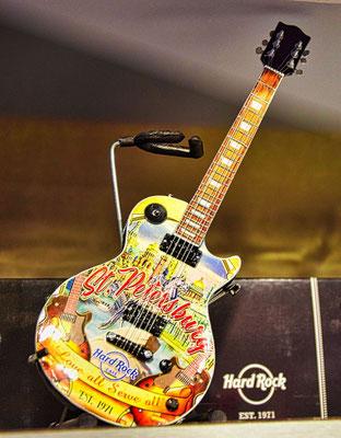 Modellgitarre im Hard Rock Cafe
