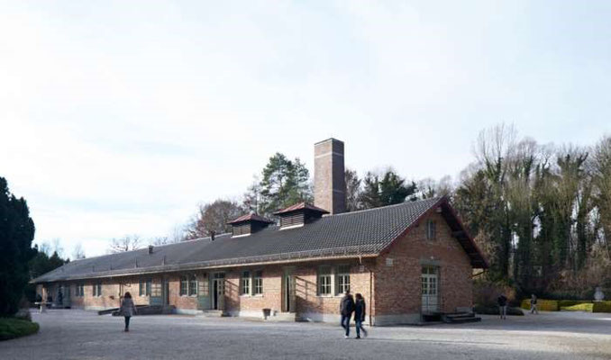 """Das ehemalige Neue Krematorium mit Gaskammer, """"Baracke X"""" genannt, 1942 errichtet, 2017. Bild: KZ-Gedenkstätte Dachau."""