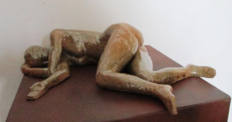 Frauenakt liegend mit Glasur