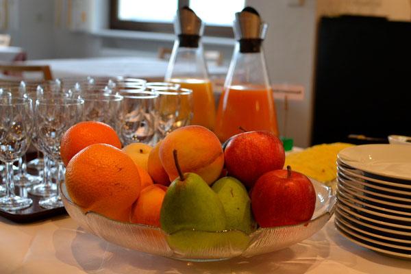 Reichhaltiges Frühstücksbüffet