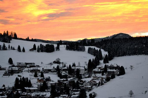 Herrlicher Sonnenaufgang im Winter