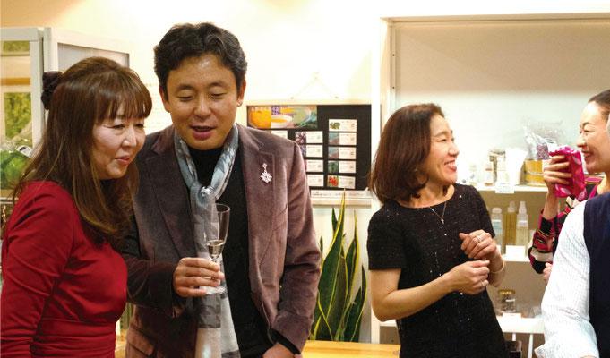 横山幸雄さんとお話しや記念写真など自由のひと時