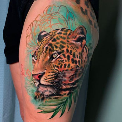 leopardo color tattoo