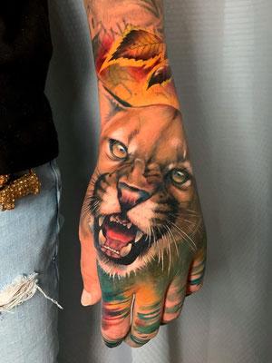 tatuaje puma realista