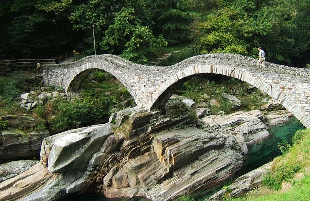 "Die Römerbrücke ""Ponte dei Salti"" - Tessin"