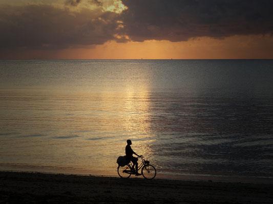 Sonnenaufgang Ushongo Beach/Tansania
