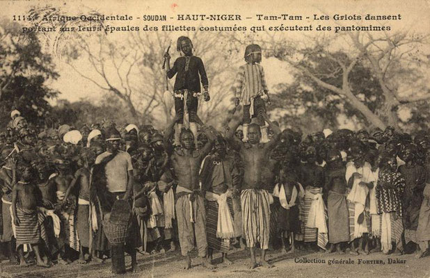 the same image (Manjanin/Mendiani dancers) differently attributed to southern Mali (compare above image)