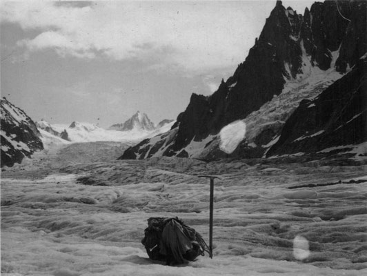 Sur la Mer de Glace et glacier du Géant, juillet 1935.