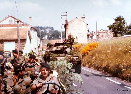 Avec une A.M.L. 60 du 1er Etranger de Cavalerie en Ardèche en 1975