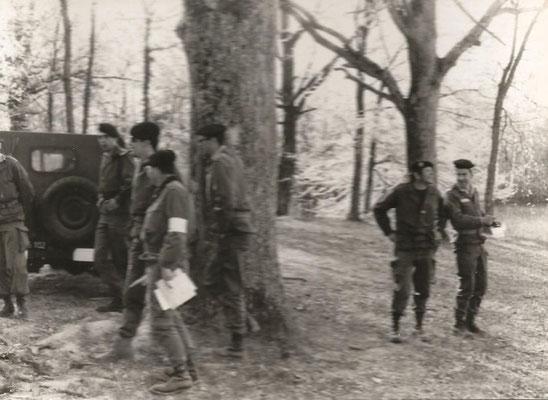 Les contrôleurs, immédiatement à droite du gros arbre , LTN DUCRET.