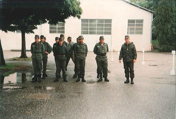 CCAS, de d. à g. : CNE de RIVAZ/CUE - ADC DI MAIO/chef d'atelier auto.