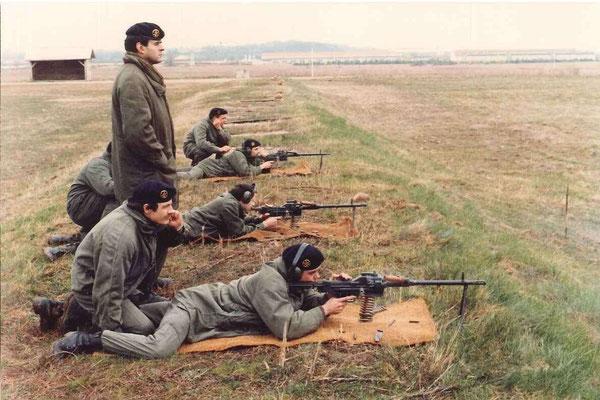 Tir au fusil-mitrailleur AA 52 sous la responsabilité du CBA BOUTEILLÉ