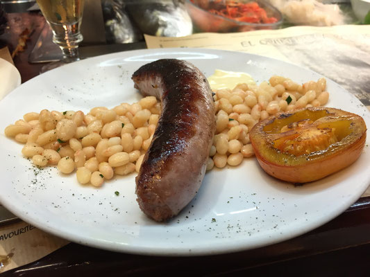 Savory butifarra with white beans and roasted tomato