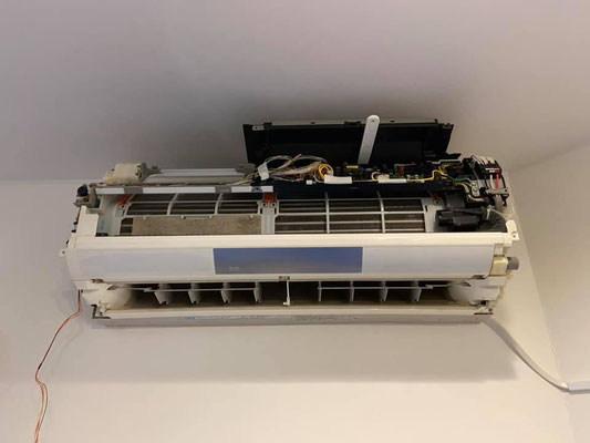Panasonicおそうじ機能付きエアコン CS−562CXR2