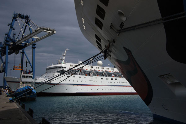 At berth, photo, 05-2011.