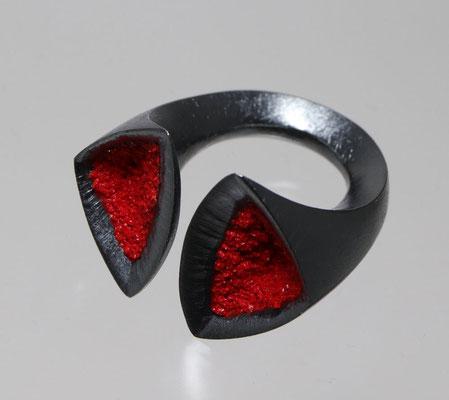 Rubia • Ring 2021 • Silber geschwärzt, Emaille