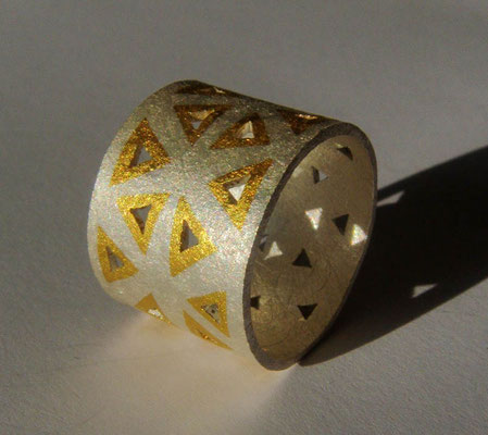 Triangolo • Ring 2012 • Silber, Gold 999