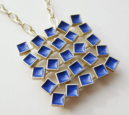 blue motion • Halsschmuck 2009 • Silber, Emaille