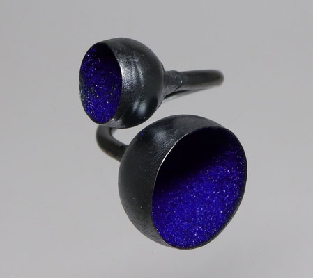 Himmelsherold • Ring 2021 • Silber geschwärzt, Emaille