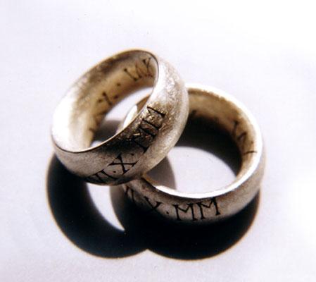 Diamantstruktur • Silber 925 • mit Handgravur an der Außenseite, geschwärzt