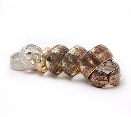 Archetypus • Ringe von 1995 bis heute in Sand gegossen • Silber, Gold 750, Bronze • Foto: Silvia Makosch