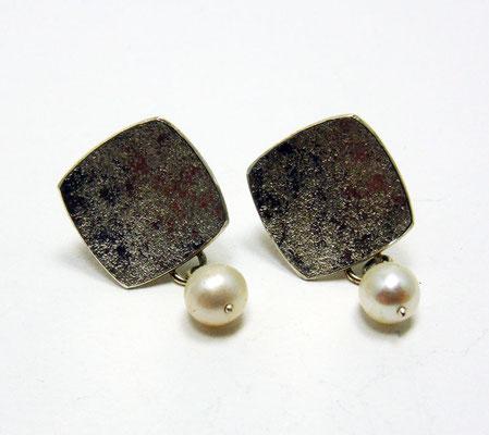 Perlgranit • Ohrringe 2016 • Silber, Süßwasserperlen