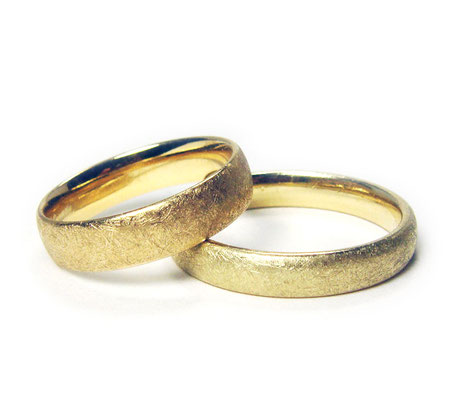 Diamantstruktur • Herrenring: Gold 333, Damenring: Gold 585