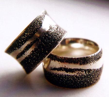 Sandspuren konvex & konkav • zwei Ringe 2007 • Silber
