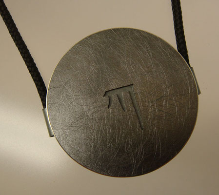 Master KA Ø 36 mm • Silber geschwärzt • zwei Ösen, flach