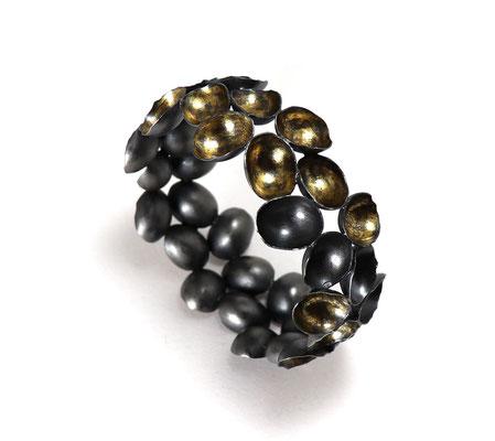 Golden Grapes • Armreif 2019 • Silber, Gold 999 • Galerie Slavik, Wien