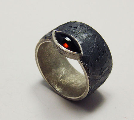 gesso • Ring 2017 • Silber, Granat