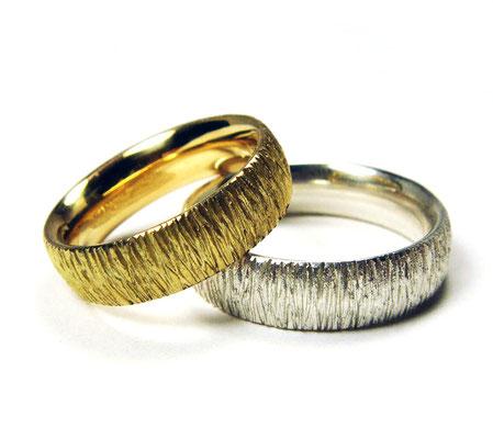 Crepe • Damenring: Sattgelb-Gold 750, Herrenring: Silber 935