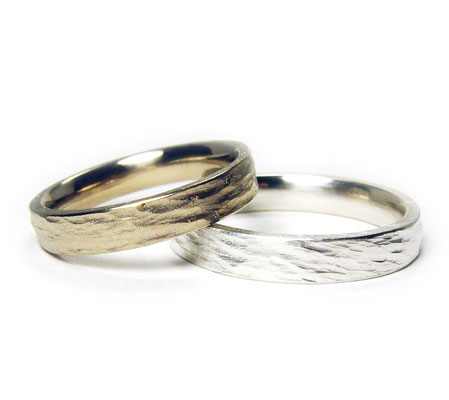 Unsofisticated • Damenring: Palladium-Weißgold, Herrenring: Silber 935