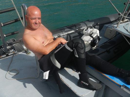 Il mitico Maurizio si rilassa dopo l'immersione