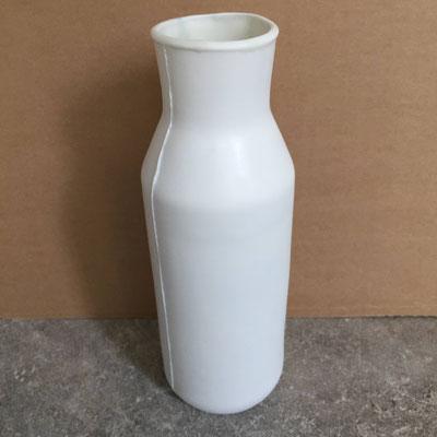 Carafe blanche. Porcelaine. Brigitte Morel
